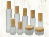 New Arrival Series Jarro de vidro geado com tampa de madeira para embalagem cosmética (PPC-GJ-010)