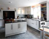 Armário de cozinha contemporâneo em madeira maciça contemporânea