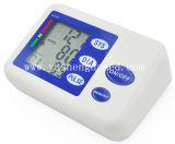 Surveillance de la pression artérielle au poignet Surveillance électronique de la tension artérielle numérique77