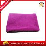 Дешево связанное красное приполюсное одеяло