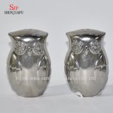 Figura di Fox di Owl& che placca &#160 di ceramica; Agitatori di pepe e di sale