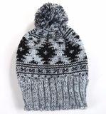 Chapéus feitos malha mornos do jacquard do Mens do inverno com Pompom