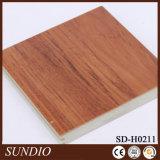 Revêtement de sol en céramique en bois de chêne décoratif ménagé