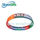 Personalizado e o projeto colore braceletes do silicone
