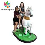 De kleurrijke Machine van het Spel van de Simulatie van het Paard van de Jonge geitjes van de Rit van Kiddie van het Park Muntstuk In werking gestelde Berijdende voor Kinderen