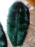 キツネの毛皮カラー