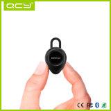 Rüttelnder Bluetooth einzelner Kopfhörer in der Masse mit Ohr-Haken