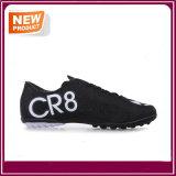 Le football chaud de mode de vente chausse des chaussures du football