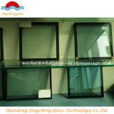 ガラス・ブロックの空のクラフトが付いているInsualtingガラス