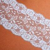 Vente en gros de tissu de lacet de noir de crochet de configuration d'onde de polyester de qualité