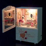 Het onderwijs Houten Huis van Doll DIY met Muziekdoos
