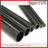 異なったサイズの鋼管か電流を通された鋼管