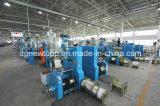 Máquina Halógeno-Libre de la protuberancia de cable del humo inferior automático del PLC