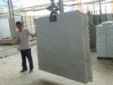 Los materiales de construcción naturales (blanco/gris/marrón/losas y azulejos de mármol, madera o mosaico/encimeras para la decoración exterior