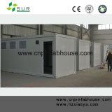 Vorfabriziertes Fertighaus bringt modulares Haus unter