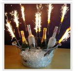Ночной клуб с помощью диагностического прибора Clip Sparkler 3 в 1 или при свечах держатель расширительного бачка