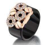 最新の簡単なアクリルの黒い方法宝石類の金指リングデザイン