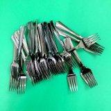 Hartes Plastiktischbesteck-gesetztes Löffel-Gabel-Messer