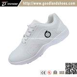Sapatas brancas de pouco peso 20219 do golfe das sapatas ocasionais dos homens novos