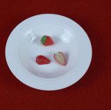 Jogo de jantar gravado dos utensílios de mesa porcelana branca