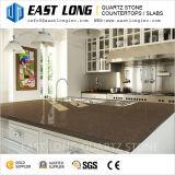 磨かれた表面が付いている台所上のための人工的な水晶石