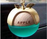 Perfume exquisito con las botellas de cristal