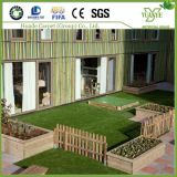 高品質の屋内人工的な草の製造業者