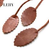 Lange Halsband van de Halsband DIY van de Nauwsluitende halsketting van de Tegenhangers van het Blad van het Leer van de vlecht de Bruine