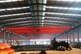 De Reizende Kraan van het Dak van de Workshop van de Structuur van het staal met het Heftoestel van het Hijstoestel