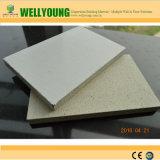 백색 모래로 덮인 산화마그네슘 벽 널