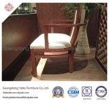 純木の肘掛け椅子(YB-E-6)が付いている創造的なレストランの家具