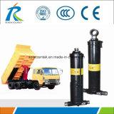 トラクターの油圧ステアリングシリンダー