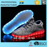 Вспышка Weave ботинок ботинок СИД кокоса светлая светящая обувает людей способа USB и ботинок Ladys СИД