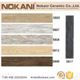 Telhas de assoalho de madeira cerâmicas impermeáveis da prancha para o edifício de casa