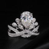 De prachtige Zilveren Ring van de Diamant van Moissanite van de Besnoeiing van de Peer van de Stijl van de Kroon voor de Juwelen van het Huwelijk
