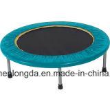 En el interior de color brillante Mini gimnasio niños trampolín trampolín de salto