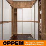 Oppein Walnut en forma de U Armarios con puertas corredizas (YG16-A02)
