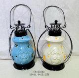 Lanterna di ceramica decorativa di natale con il disegno del pupazzo di neve