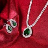 De Juwelen van het Huwelijk van de Vorm van het water plaatsen Halsband en Oorringen