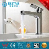 Robinet de lavabo de finition de taraud d'eau de chrome en gros de la Chine (BM-B10203)