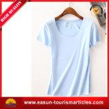 T-shirt 100% blanc fait sur commande de coton avec le logo