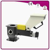 射出成形の機械および押出機の容積測定の送り装置の使用