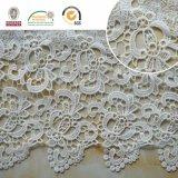 Tessuto fragile del merletto della maglia, vestito E20031 dalle donne di Swiss&Africa