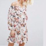 Шифоновое женщин способа напечатанное с платья одежд повязки Tassels плеча