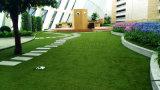 Grama falsificada com resistência elevada de U/V para a decoração, jardim, ajardinando