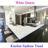 台所のための普及した純粋で白い水晶石のカウンタートップ