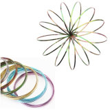 Anello magico di flusso della molla dell'anello del giocattolo intelligente esterno cinetico del giocattolo