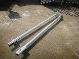 電流を通された電力線適切な基礎構築の地上の螺旋形の山