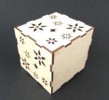 ホーム研修会の木製のジグソーパズルのための小型の二酸化炭素レーザーの打抜き機
