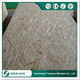 El cubrir de la madera contrachapada de la construcción de OSB (tarjeta orientada del hilo)
